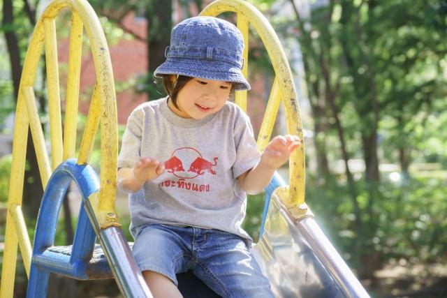 5歳児保育|ねらい・月案・指導案と製作遊びなどの室内遊び