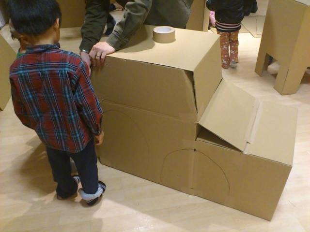 幼児と楽しむダンボール工作の10のアイディアについて