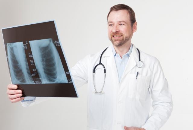 胸水貯留時の看護|患者の症状や観察ポイント、治療や看護サポート